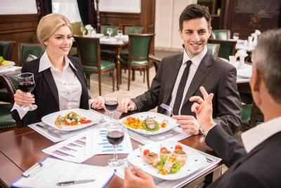 Impressing Your Business Partners at Business Dinners