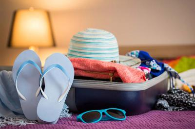 Your Essential Items for a Hot Weather Trip