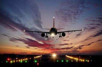 6 Benefits of Red Eye Flights